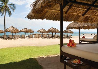 Hyatt-Zilara-Rose-Hall-Beach-Cabanas-09