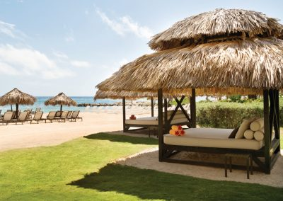 Hyatt-Zilara-Rose-Hall-Beach-Cabanas-10