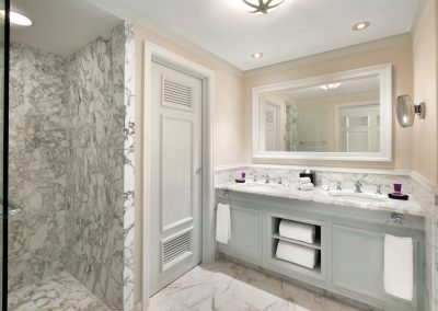 Hyatt-Zilara-Rose-Hall-King-And-Double-Bathroom