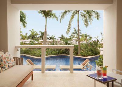 Hyatt-Zilara-Rose-Hall-Swim-Up-Junior-Suite-View2