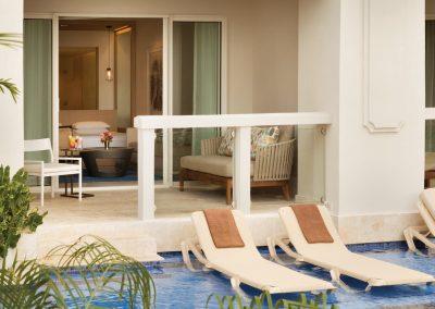 Hyatt-Zilara-Rose-Hall-Swim-Up-Junior-Suite-View3