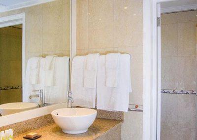 16meliabracovillage-grandpremiumbathroom