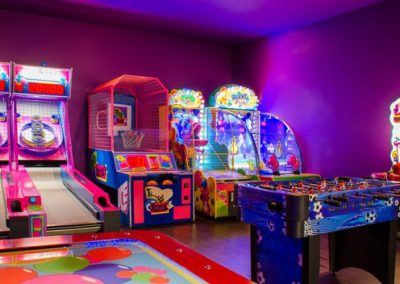 900x600_playroom-arcade