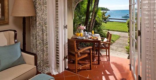 Sandals_Halcyon_Beachfront_Walkout_Concierge_GB©UniqueVacationsLtd